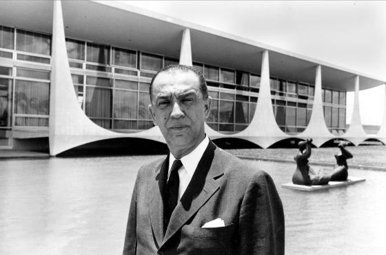 El presidente Juscelino Kubitschek en Brasilia. (AP Photo)