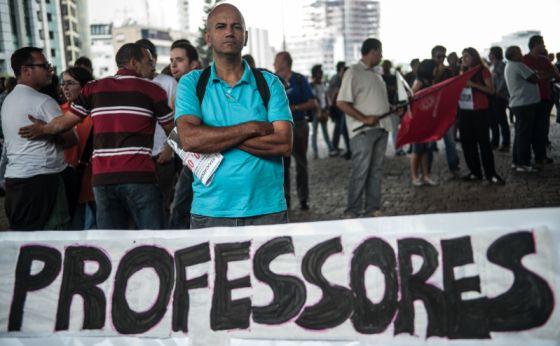 Profesor de la escuela pública de São Paulo, de huelga el año pasado.
