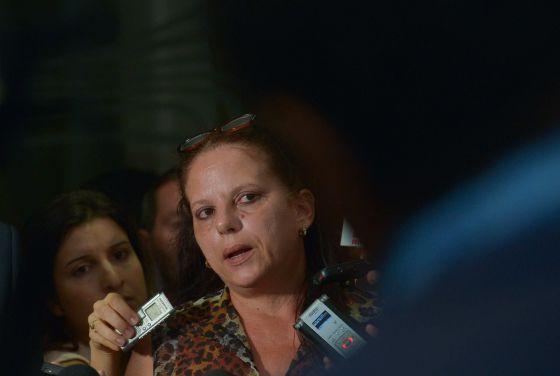 La médica cubana Ramona Rodriguez da entrevista en el Congreso Nacional.