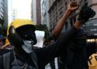 La muerte de un camarógrafo abre la veda contra los Black Bloc en Río