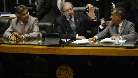 Câmara começa debate da reforma política com comando de oposição