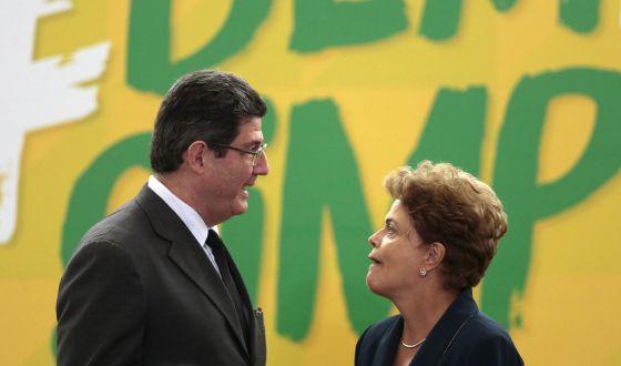Dilma corre contra o tempo para costurar ajuste fiscal no Brasil