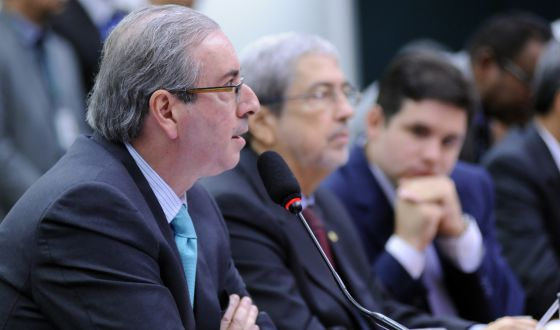 Deputados defendem Cunha na CPI da Petrobras e questionam lista de Janot