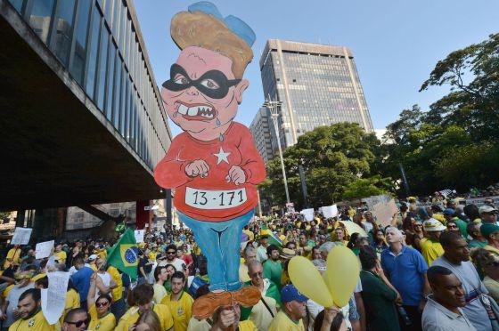 Manifestantes na Paulista.