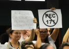 Votação de proposta em comissão da Câmara é adiada após tumulto