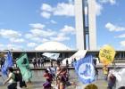 Em revés para Cunha, Câmara rejeita reduzir maioridade penal