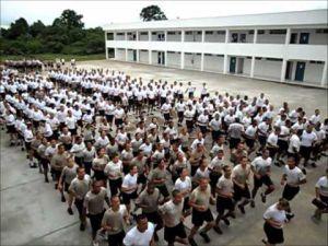 O cruel treinamento militar que deforma os policiais do Brasil