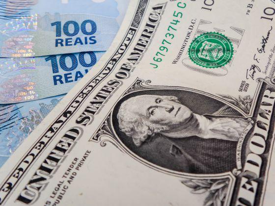 Desvalorização da moeda chinesa faz cotação do dólar passar de R$ 3,50 | Economia | EL PAÍS Brasil