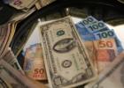Dólar atinge a barreira dos 4 reais