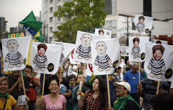 Sem perspectivas futuras, brasileiro se declara órfão de lideranças
