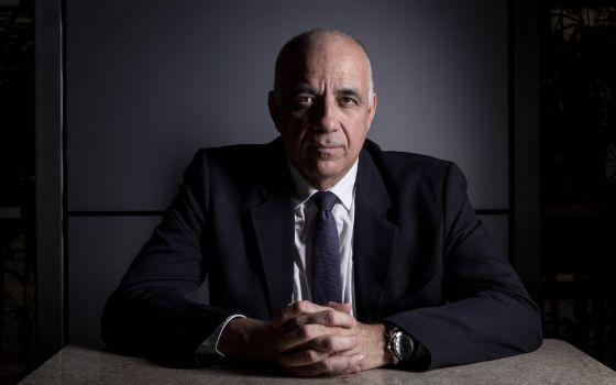 """""""No Brasil, o Estado é demonizado e o mercado é o reino de todas as virtudes"""""""