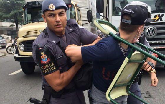 Violência policial em manifestação de estudantes