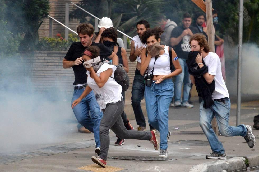 PM de São Paulo reprime manifestantes na última terça.