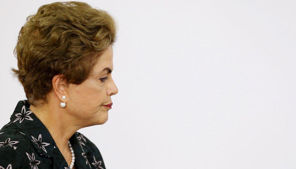 Contas do Governo têm rombo histórico de 114,9 bilhões de reais em 2015