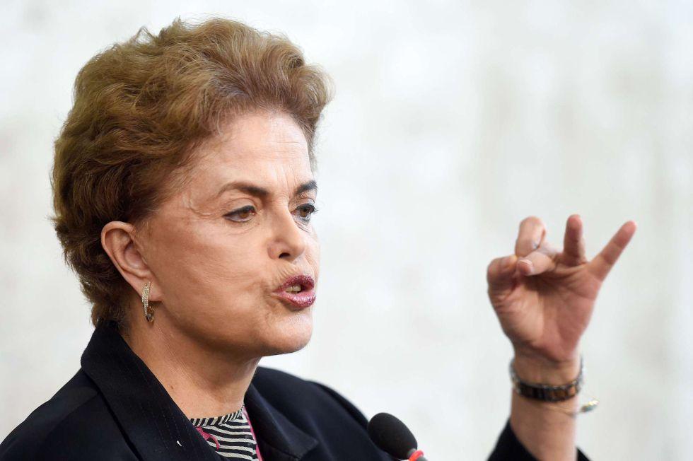 """AO VIVO   Dilma: """"Testemunhem que não tenho cara de quem vai renunciar"""""""
