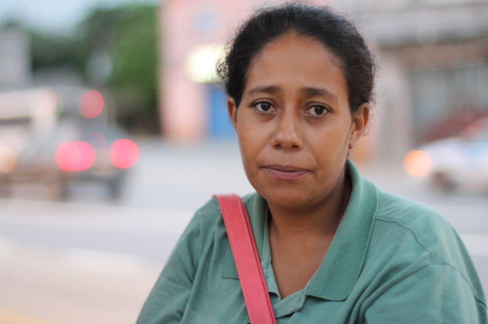 Eliane de Jesus, moradora de Vila Calu, no extremo sul de São Paulo.