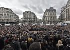 Atentado mata mais de 30 em Bruxelas e polícia lança caçada a suspeito