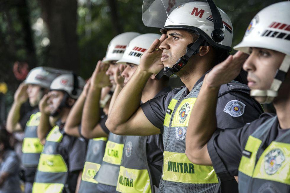 Reações diversas da PM em protestos, fator de risco em meio à polarização