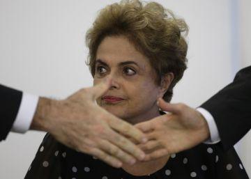 Prestes a perder guerra do impeachment, Dilma negocia votos um a um