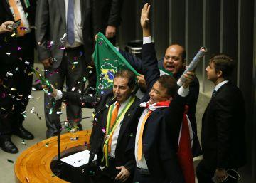 Elogio à tortura, e enrolados na Justiça em nove votos na Câmara