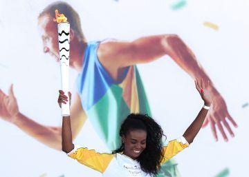 O Brasil real X a rota da tocha olímpica