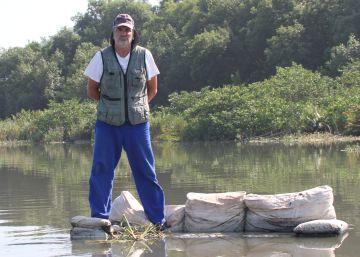 O biólogo que destampa as latrinas do Rio Olímpico