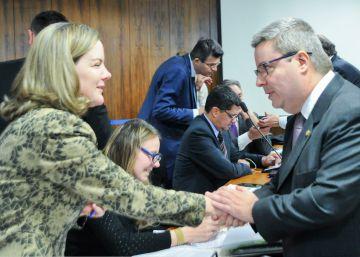 El 60% de los senadores que juzgan a Rousseff enfrenta causas en la Justicia
