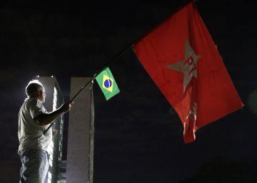 Na oposição, PT estimula protestos e quer viajar com Dilma pelo país