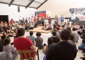 Manifestantes ocupam sede da Funarte em São Paulo