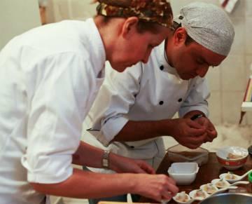 Chefs Spinardi e Campos usam azeite nacional em suas receitas