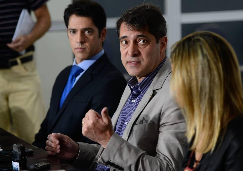 Investigação de estupro coletivo no Rio passa às mãos de uma delegada após pressão