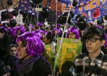 Argentinos voltam a ocupar as ruas para exigir o fim da violência de gênero