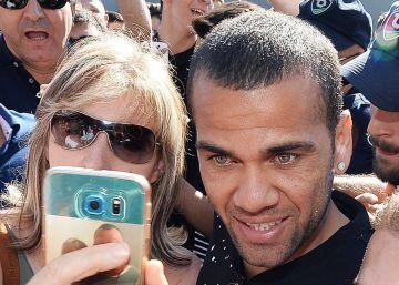 Daniel Alves é acusado de dever 4,6 milhões de reais ao fisco espanhol