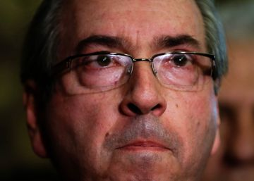 Cunha renuncia à presidência da Câmara para tentar seguir deputado