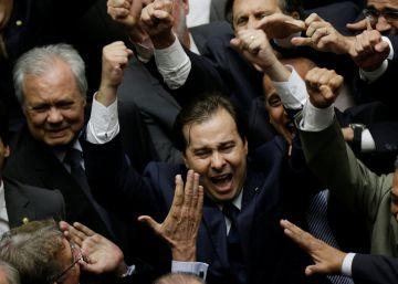 Com campanha anti-Cunha, Maia vence Rosso pelo comando da Câmara