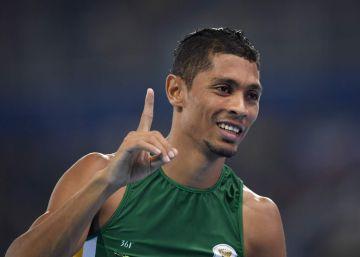 Wayde van Niekerk: recorde mundial nos 400 m ofusca Michael Johnson