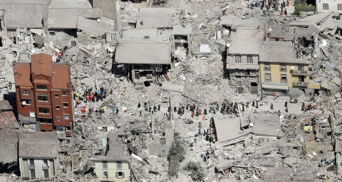 Vista aérea de Amatrice, uma das regiões mais afetadas pelo tremor.