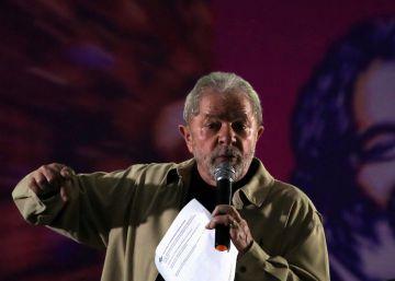 PF indicia Lula e sua mulher por suposta reforma da OAS do tríplex no Guarujá
