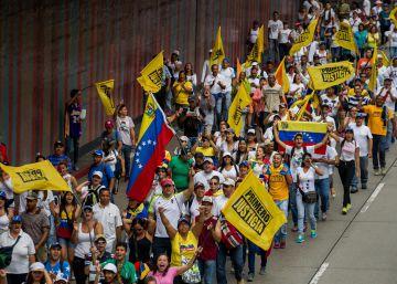 Venezuela expulsa repórter e nega entrada de outros quatro meios de comunicação para cobrir protesto