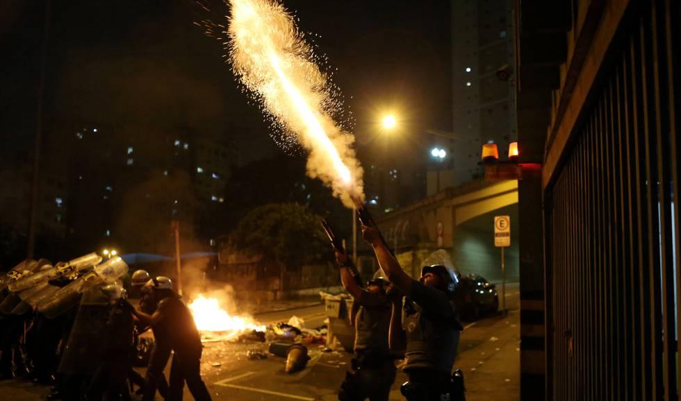 Pelo quarto dia, manifestantes vão às ruas contra Temer em SP e PM usa bomba para dispersar