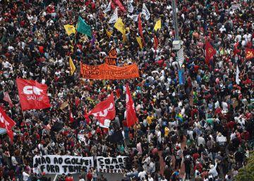 Milhares vão às ruas contra Temer em SP e PM reprime ato com justificativa controversa