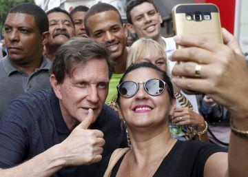 A versão suavizada do bispo Crivella decola no Rio com a crise do PMDB carioca