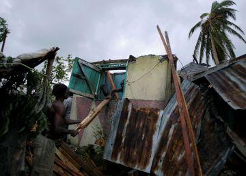 Estados Unidos começam a retirar moradores antes da chegada do furacão Matthew
