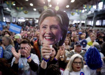 Mensagens de Clinton vazadas revelam supostas contradições em sua campanha