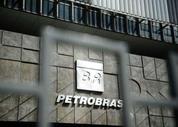 Petrobras começa a sair do buraco e valor das ações quadruplicam