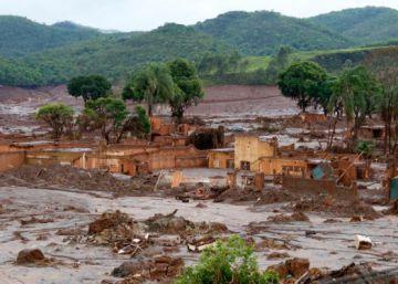 Uma denúncia para cobrar punição pelos mortos no desastre de Mariana
