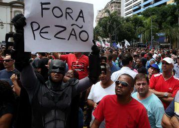 Servidores protestam contra pacote do Governo do Rio para limitar gastos