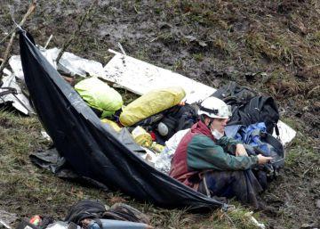 Autoridades localizam caixas-pretas, cruciais para precisar causas do acidente