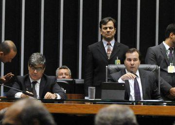 Câmara aprova pacote anticorrupção, sem anistia ao caixa 2
