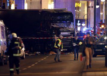Doze mortos em ataque com caminhão em mercado de Natal em Berlim